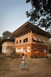 DESI BUILDING (Bangladesch) von Anna Heringer