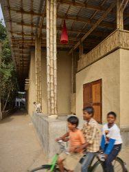 BASE HABITAT - LIITLE FLOWER INDIA___©_KURT HOERBST 2015