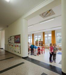 Volksschule Franckstraße / Linz von Petra Stiermayr___©_KURT HOERBST 2012