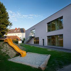 Kindergarten Tungassingerstrasse _lobmaierstockinger Architektur ___©_KURT HOERBST 2011