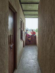 BASE HABITAT - LIITLE FLOWER INDIEN-SUNDERPUR HOUSING___©_KURT HOERBST 2018