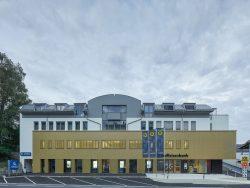 004_raiffeisen-kompetenzzentrum-freistadt_pointner-pointner-architekten_by_kurt-hoerbst_201508