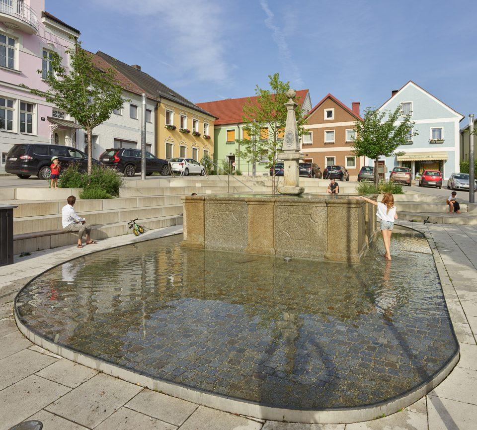 Marktplatz Gallneukirchen von ARCHITEKTURKANTINE___©_KURT HOERBST 2018