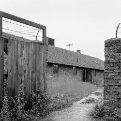 auschwitz birkenau, isolation barrack
