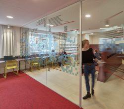 011_stiftergymnasium-linz_lasinger-rauscher-architekten_by_kurt-hoerbst_092319