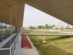 BUNDESCCHULE ASPERN - STAATSPREIS FÜR ARCHITEKTUR UND NAHHALTIGKEIT 2019_FASCH & FUCHS ARCHITEKTEN ___©_KURT HOERBST 2019