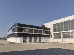 RIEDLER Fahrzeugbau Oberwies von Peneder Fast Forward___©_KURT HOERBST 2020