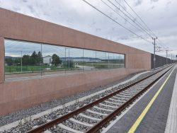 Bahnhof Achau - Niederösterreich - Pottendorfer Linie_ostertag-architects___©_KURT HOERBST 2020