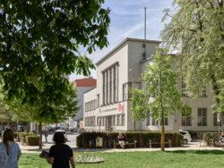 Landesbibliothek_Architetkruführer Linz___©_KURT HOERBST 2021