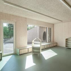 061_kindergarten-hort-hauderweg-linz-2021_mia2-architektur_petra-stiermayr_foto_kurt.hoerbst_152313